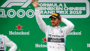 Hamilton passa Bottas na largada e vence o milésimo GP da história da F1