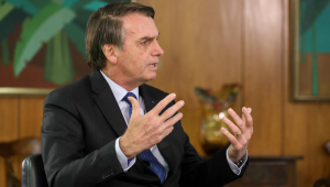 Vera: Bolsonaro demonstra 'filhotismo político' ao defender Flávio