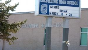 Suspeita que tinha 'obsessão' com caso Columbine é encontrada morta