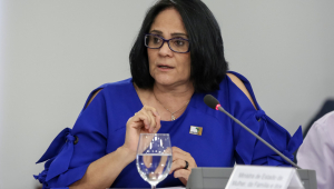 Damares diz que governo brasileiro está 'apreensivo' com perseguição a cristãos