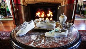 Donald Glover lança linha de tênis em parceria com a Adidas