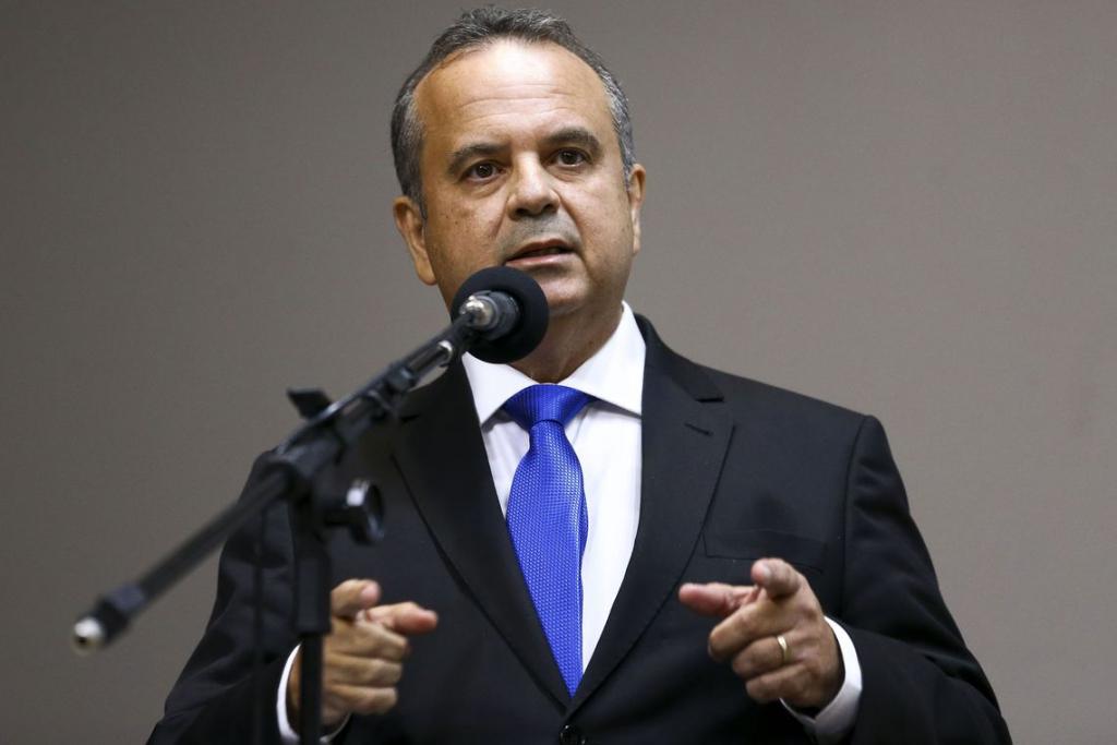 Marinho negocia com sindicatos propostas de reforma sindical