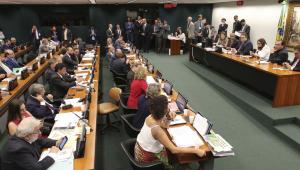 Vera: Semana de mais debates sobre a reforma adia votação no plenário