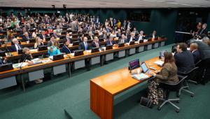 Vera Magalhães: Deputados dão sinal a Bolsonaro de que têm força para votações na Casa