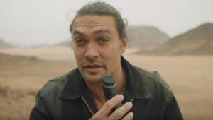 Adeus, Khal Drogo! Jason Momoa faz a barba pela primeira vez em sete anos