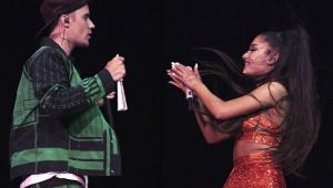 Ariana Grande canta com Justin Bieber em seu show no Coachella; assista