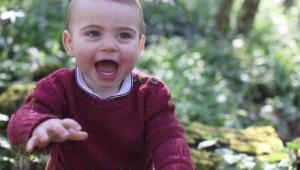 Família Real divulga imagens fofas do príncipe Louis no dia do seu 1º aniversário