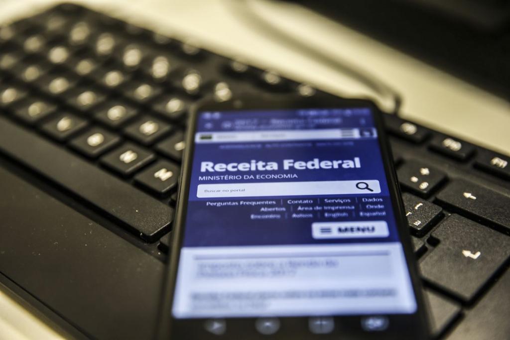 Receita Federal paga hoje primeiro lote de restituição do Imposto de Renda