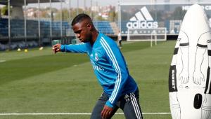 Vinicius Jr. se recupera de lesão, mas é barrado por Zidane