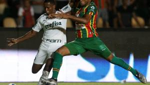 Palmeiras bate Sampaio Corrêa com gol nos acréscimos e encaminha vaga na Copa do Brasil