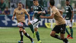 Clássico 'alternativo' entre Palmeiras x Santos vale liderança do Brasileirão