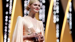Elle Fanning desmaia durante jantar em Cannes