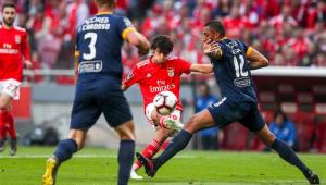 Benfica goleia em casa e conquista o 37º título português