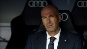 Real Madrid termina temporada melancólica com derrota em casa