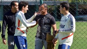 São Paulo faz último treino antes do Majestoso com visita de Cafu: 'Devo muito a esse clube'
