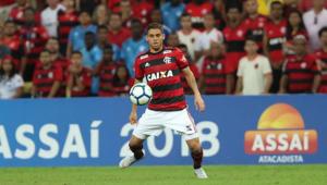 Flamengo afasta Cuéllar, após pedido do volante para não jogar