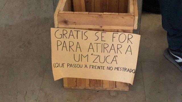 Estudantes brasileiros fazem ato contra xenofobia em Portugal