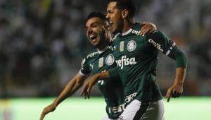 Palmeiras goleia Santos no Pacaembu e se torna líder isolado do Brasileiro
