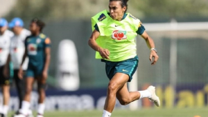 Marta sofre lesão e preocupa Seleção a 15 dias da estreia no Mundial