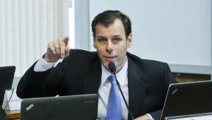 Secretário defende revisão de acordo que limita voos entre Brasil e Argentina
