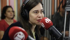 Alessandra Negrini interpreta jovem gótica em nova peça
