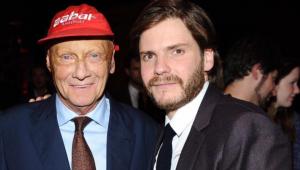 Ator que viveu Niki Lauda em 'Rush' se despede: 'Homem mais corajoso que já conheci'
