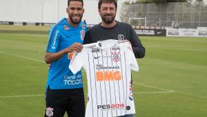 Everaldo pede estreia pelo Corinthians no Majestoso como presente de aniversário