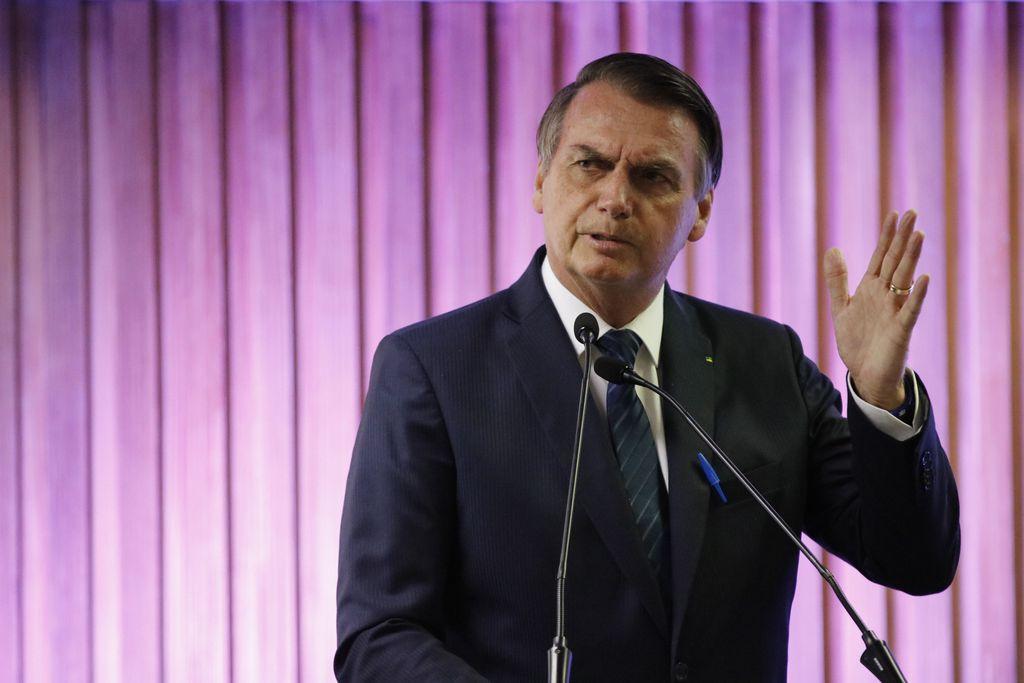 Bolsonaro afirma que não vai acabar com multa de 40% do FGTS em demissões