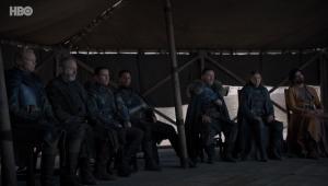 'Game of Thrones': Em nova gafe, garrafa é esquecida no último episódio da série