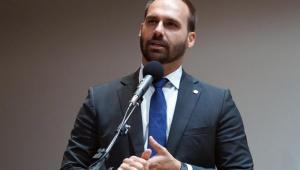 Josias de Souza: Eduardo Bolsonaro não parece preencher requisitos para ocupar embaixada nos EUA