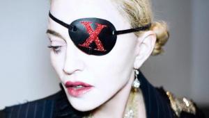 Madonna comemora aniversário cantando junto com os filhos