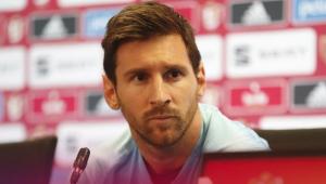 Messi volta a dar entrevista coletiva após 4 anos e pede que técnico fique