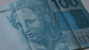 Petróleo e dólar aliviam pressão sobre contas públicas