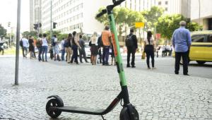 Montevidéu elabora projeto que proíbe patinetes e bicicletas nas calçadas