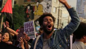 Protesto contra o corte nas verbas para Educação, organizado pela UNE e diversas centrais sindicais em São Paulo (SP), nesta quinta-feira (30). Concentração no Largo da Batata.