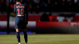 Jornal: Neymar se ofereceu ao Barcelona e mais quatro gigantes europeus