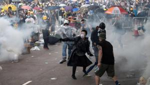 Governo de Hong Kong adia polêmico projeto de lei após protestos