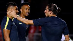 Militão sente a coxa esquerda, deixa o treino e preocupa a seleção brasileira