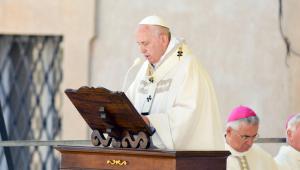 Papa expressa preocupação com tensão entre EUA e Irã