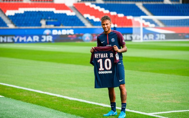 PSG aceita negociar Neymar nesta janela de transferências, diz jornal francês