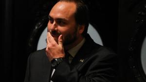 Carlos Bolsonaro ironiza demissão de Levy: 'A culpa não foi minha dessa vez?'