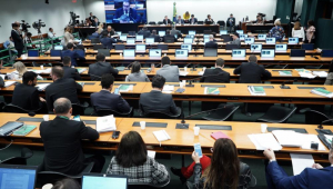 Vera: Trabalho de convencimento para impedir emendas à Previdência precisa começar pelo PSL