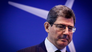 Constantino: Grande rotatividade em seis meses de Governo gera apreensão, mas pode ser natural