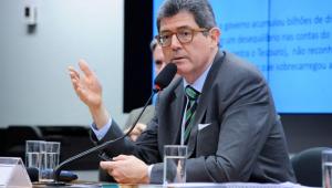 'Fiz esforços de sucesso em comunicar tudo que acontece no BNDES', diz Levy