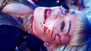 Madonna mostra chacina em boate e pede controle de armas em novo clipe