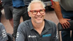 Campeão mundial polemiza e diz que Hamilton induziu punição a Vettel: 'Não foi uma atitude legal'