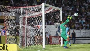 Goleiro do Fluminense é flagrado em exame por suposto uso de cocaína