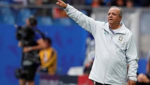 Treinador da seleção feminina, Vadão não acredita em demissão e aprova desempenho no Mundial