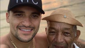 Lateral do Palmeiras, Victor Luis pede ajuda por avô desaparecido; rivais se mobilizam