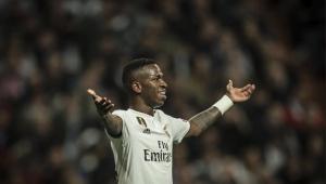 Vinicíus Júnior estará em breve entre os melhores do mundo, diz Ronaldinho